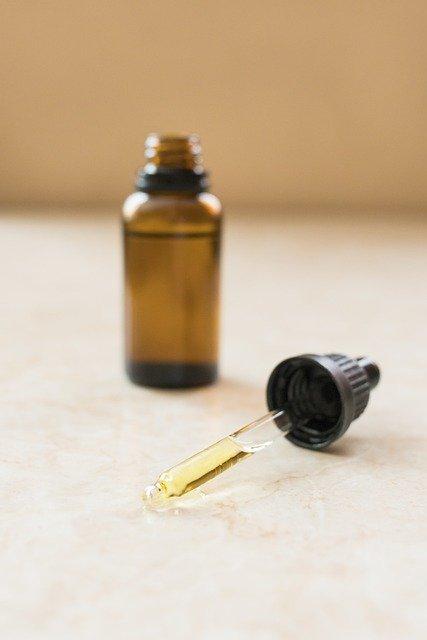 cbd oil dropper